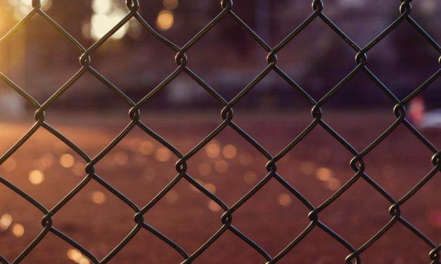 Konserwacja ogrodzenia metalowego